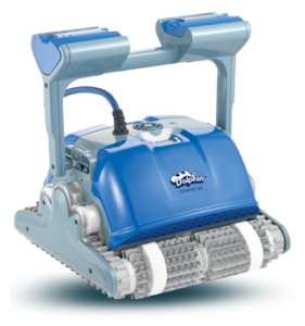 clear water Dolphin M400 Pool Cleaner